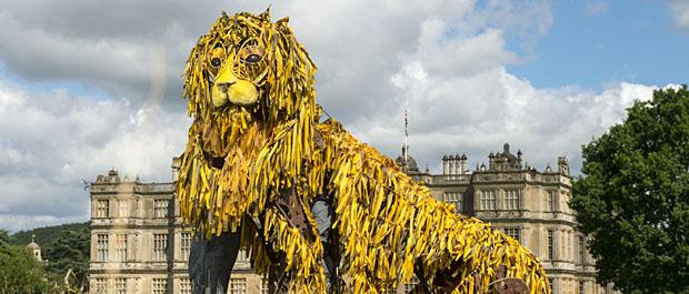 Lion puppet banner